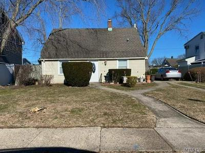 47 TANNERS LN, Levittown, NY 11756 - Photo 1