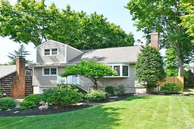 7 FRANKLIN CT, Northport, NY 11768 - Photo 2