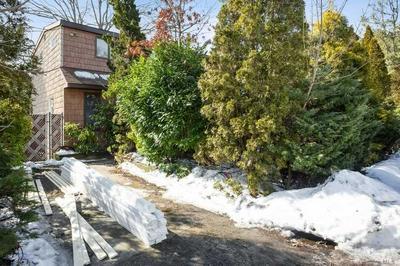 104 ELROY AVE, Holbrook, NY 11741 - Photo 2