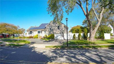 3631 SARAH DR, Wantagh, NY 11793 - Photo 2