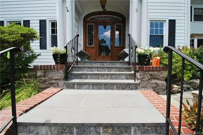 69 ROCKLEDGE RD, Yonkers, NY 10708 - Photo 2