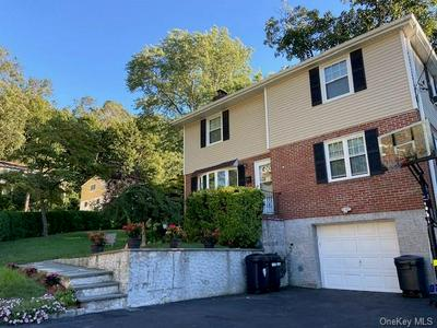 57 PARKWAY CIR, Scarsdale, NY 10583 - Photo 2