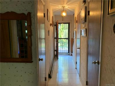 166 VAILS GATE HEIGHTS DR, New Windsor, NY 12553 - Photo 2