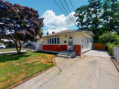 68 VIRGINIA AVE, Hempstead, NY 11550 - Photo 1