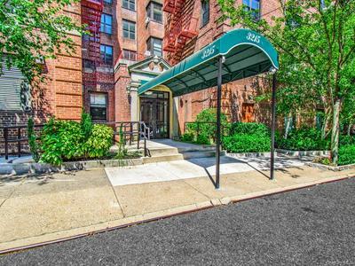 3215 NETHERLAND AVE APT 2H, Bronx, NY 10463 - Photo 1