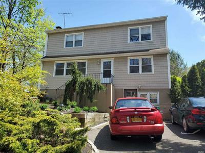 4 PEARSALL PL, Huntington, NY 11743 - Photo 2