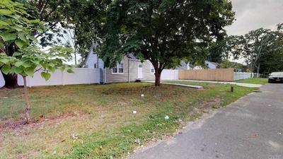 78 LAKEWOOD ST, Wyandanch, NY 11798 - Photo 2