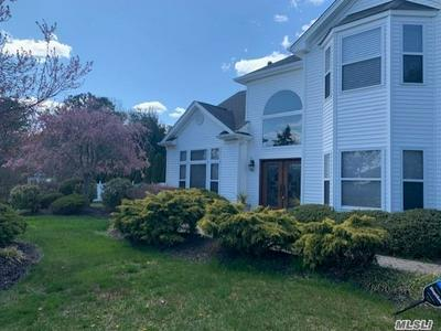 2 SOUTHAVEN DR, Brookhaven, NY 11719 - Photo 2