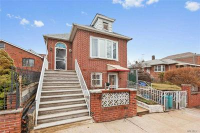 2561 HERING AVE, BRONX, NY 10469 - Photo 1