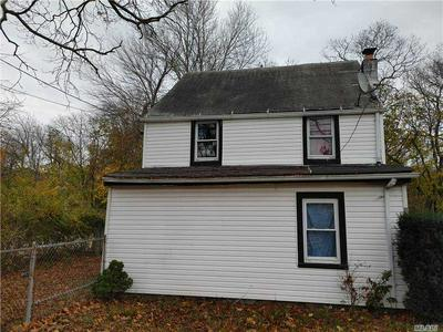 62 OLD QUOGUE RD, Riverhead, NY 11901 - Photo 2