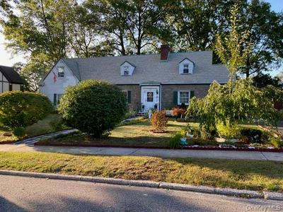119 TOWNSEND AVE, Pelham, NY 10803 - Photo 1