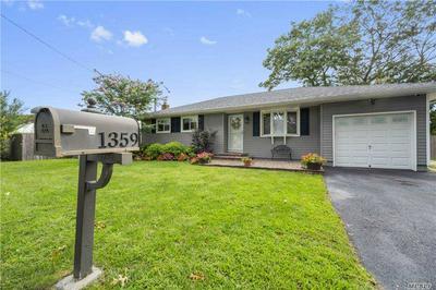 1359 HIRAM AVE, Holbrook, NY 11741 - Photo 1
