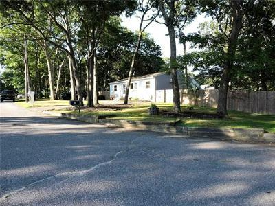 3 NEWCOMB TRL, Ridge, NY 11961 - Photo 2