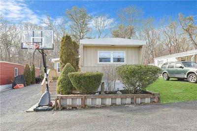 1795 OSBORN AVE, Riverhead, NY 11901 - Photo 2