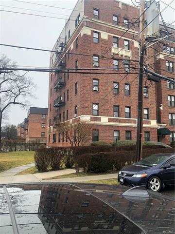 485 PELHAM RD APT B59, NEW ROCHELLE, NY 10805 - Photo 1