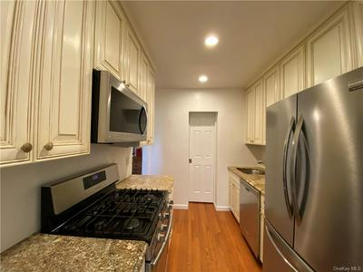 177 E HARTSDALE AVE APT 4N, Hartsdale, NY 10530 - Photo 1