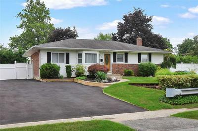 438 TOWNLINE RD, Commack, NY 11725 - Photo 1
