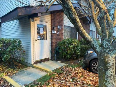 185 CAMBRIDGE DR E, Copiague, NY 11726 - Photo 1