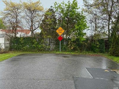 680 HOWARD AVE, Copiague, NY 11726 - Photo 2