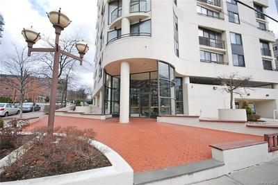 10 COTTAGE PL APT 6G, White Plains, NY 10601 - Photo 2