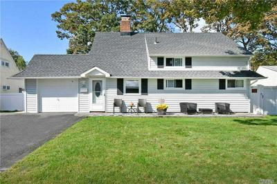 157 TWIN LN N, Wantagh, NY 11793 - Photo 1