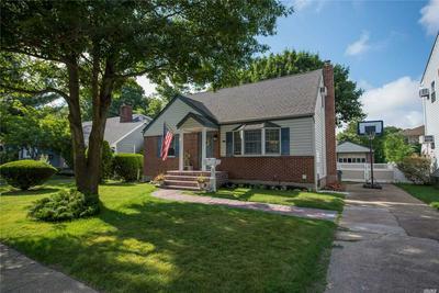 191 ELSIE AVE, Merrick, NY 11566 - Photo 2