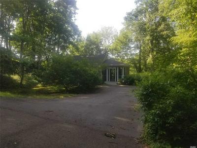 11 HARBORVIEW AVE, Greenlawn, NY 11740 - Photo 2