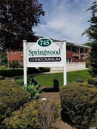 745 CONKLIN ST APT 16, Farmingdale, NY 11735 - Photo 1