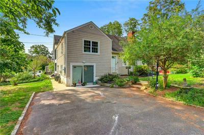 2 WILLOW ST, Roslyn Heights, NY 11577 - Photo 1