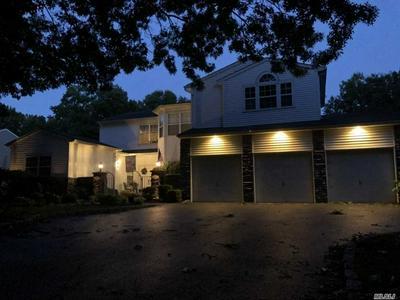 52 ARBOR FIELD WAY, Lake Grove, NY 11755 - Photo 2