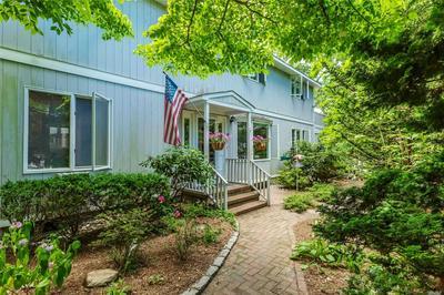 105 FLEETWOOD RD, Cutchogue, NY 11935 - Photo 2