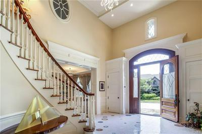 3 BRITTANY CLOSE, SCARSDALE, NY 10583 - Photo 2