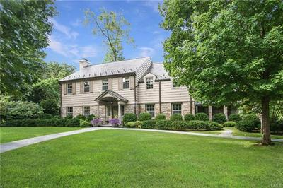 19 OVERLOOK RD, SCARSDALE, NY 10583 - Photo 1