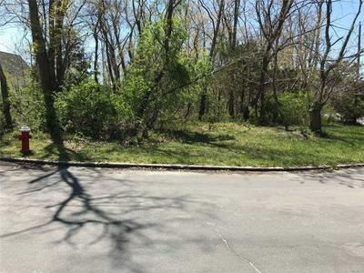 575 DELMAR DR, Laurel, NY 11948 - Photo 2