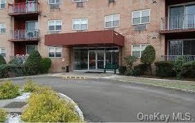 1 LAKEVIEW DR APT 3F, Peekskill, NY 10566 - Photo 2