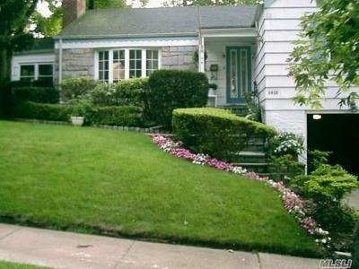 64-06 212TH ST, Oakland Gardens, NY 11364 - Photo 2