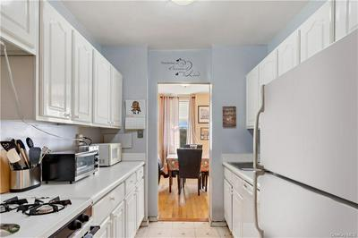 333 BRONX RIVER RD APT 516, Yonkers, NY 10704 - Photo 2