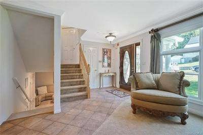 105 CANDLEWOOD DR, Yonkers, NY 10710 - Photo 2