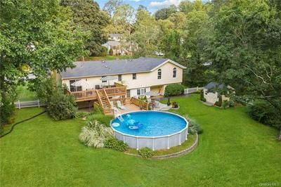 8 SUNRISE DR, Mahopac, NY 10541 - Photo 2