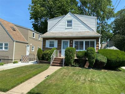 724 ROOSEVELT ST, Franklin Square, NY 11010 - Photo 1