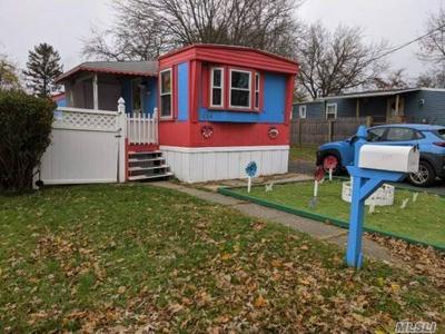 114 LINCOLN AVE, Holbrook, NY 11741 - Photo 2