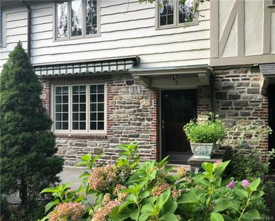 5 MERESTONE TER, Eastchester, NY 10708 - Photo 2