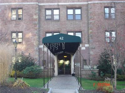 42 BARKER AVE APT 4E, White Plains, NY 10601 - Photo 1