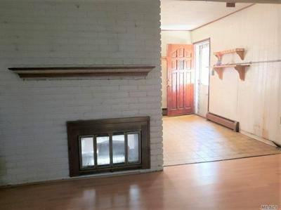19 CHIMNEY LN, Levittown, NY 11756 - Photo 2