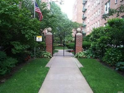 32 CATHEDRAL AVE APT 6D, Hempstead, NY 11550 - Photo 1