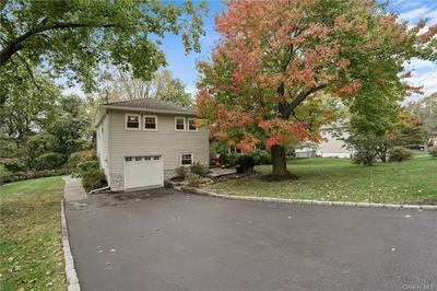 11 LEAWOOD DR, Briarcliff Manor, NY 10510 - Photo 2