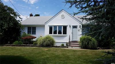 894 MAIN RD, Aquebogue, NY 11931 - Photo 1