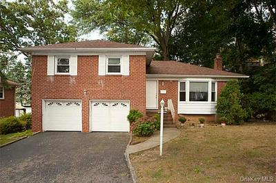 57 E FORT HILL RD, Yonkers, NY 10710 - Photo 1