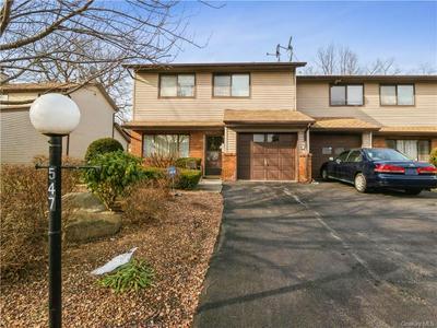 547 BARBERRY LN, New Windsor, NY 12553 - Photo 2