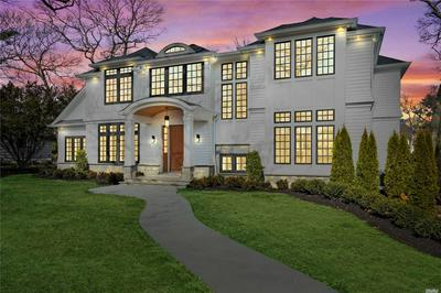 51 SQUIRREL HILL RD, East Hills, NY 11577 - Photo 1